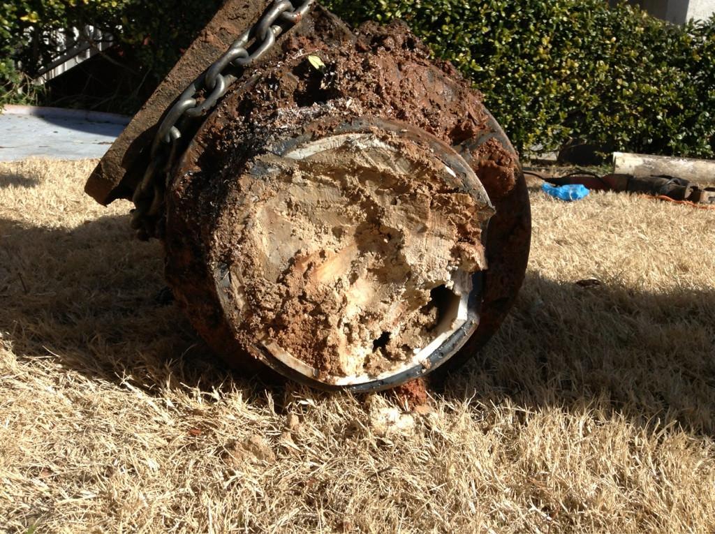 Dit is het uiteindelijke gevolg van olie door een pijp heen te sturen. Dat wil je dus niet laten gebeuren met een slagader... Bron: http://www.businessinsider.com.au/why-cant-you-pour-grease-down-the-drain-2014-8