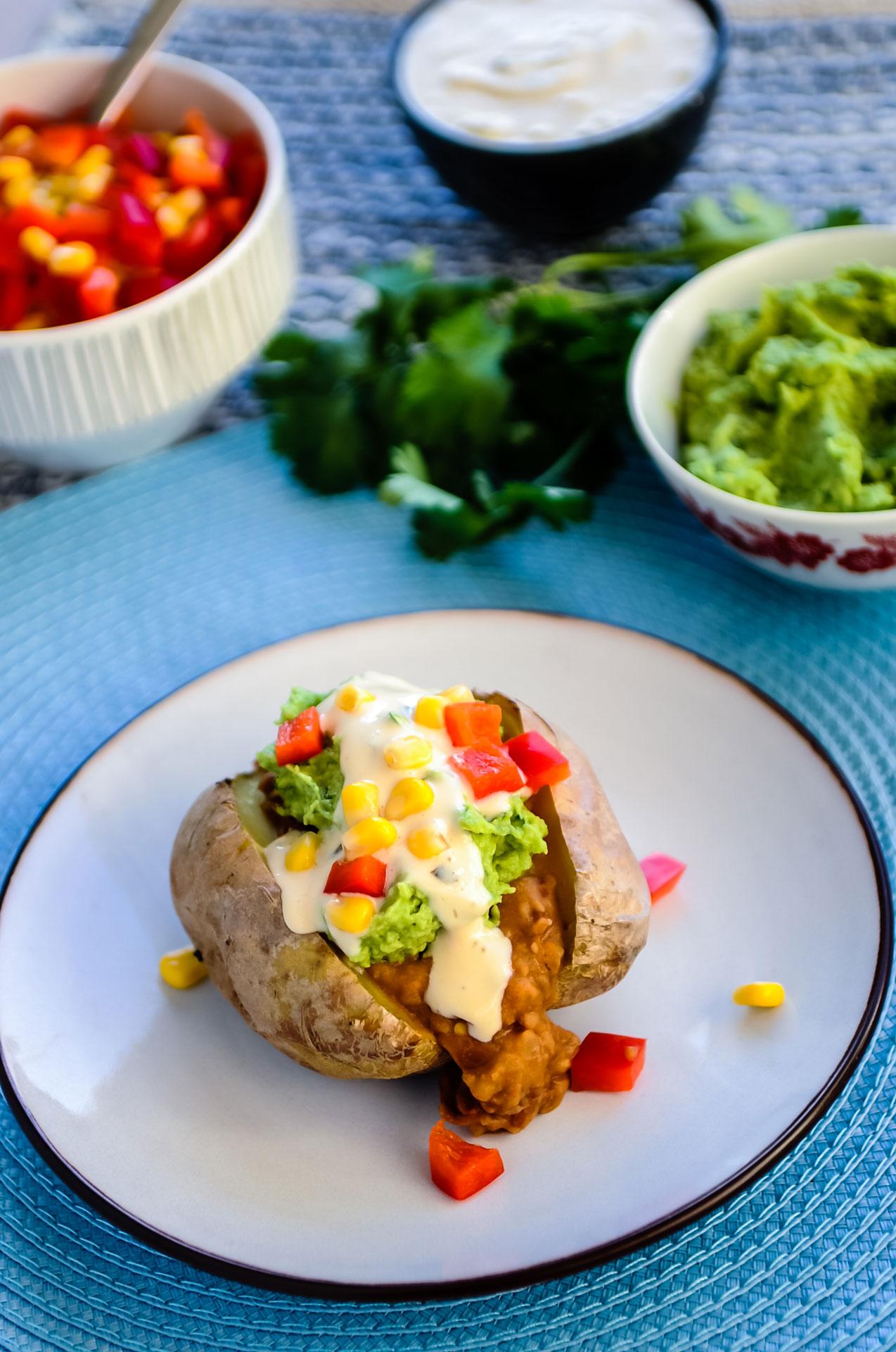 Gepofte Aardappel Mexican Style met 'Sour Cream' & Salsa 2