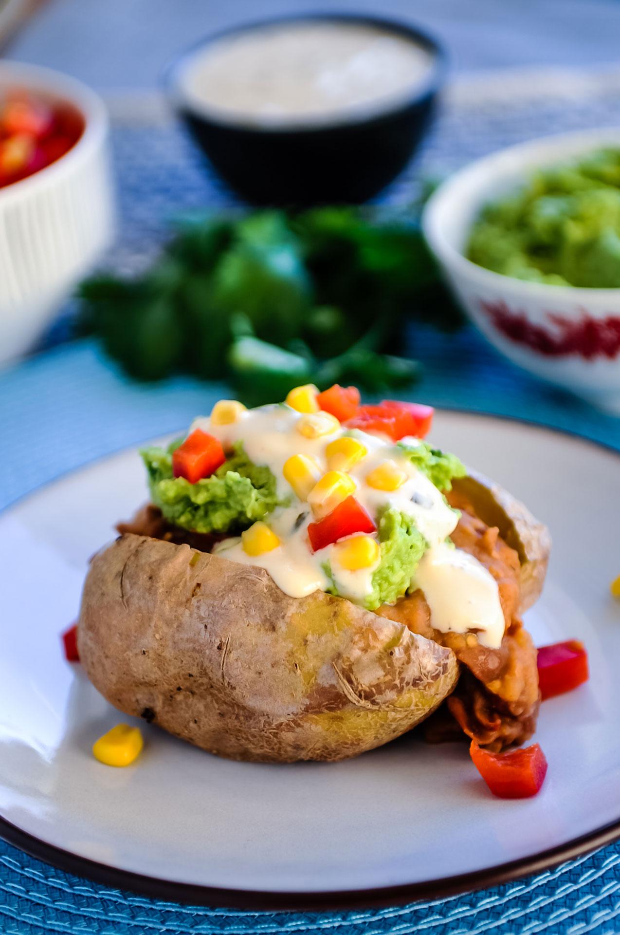 Gepofte Aardappel Mexican Style met 'Sour Cream' & Salsa