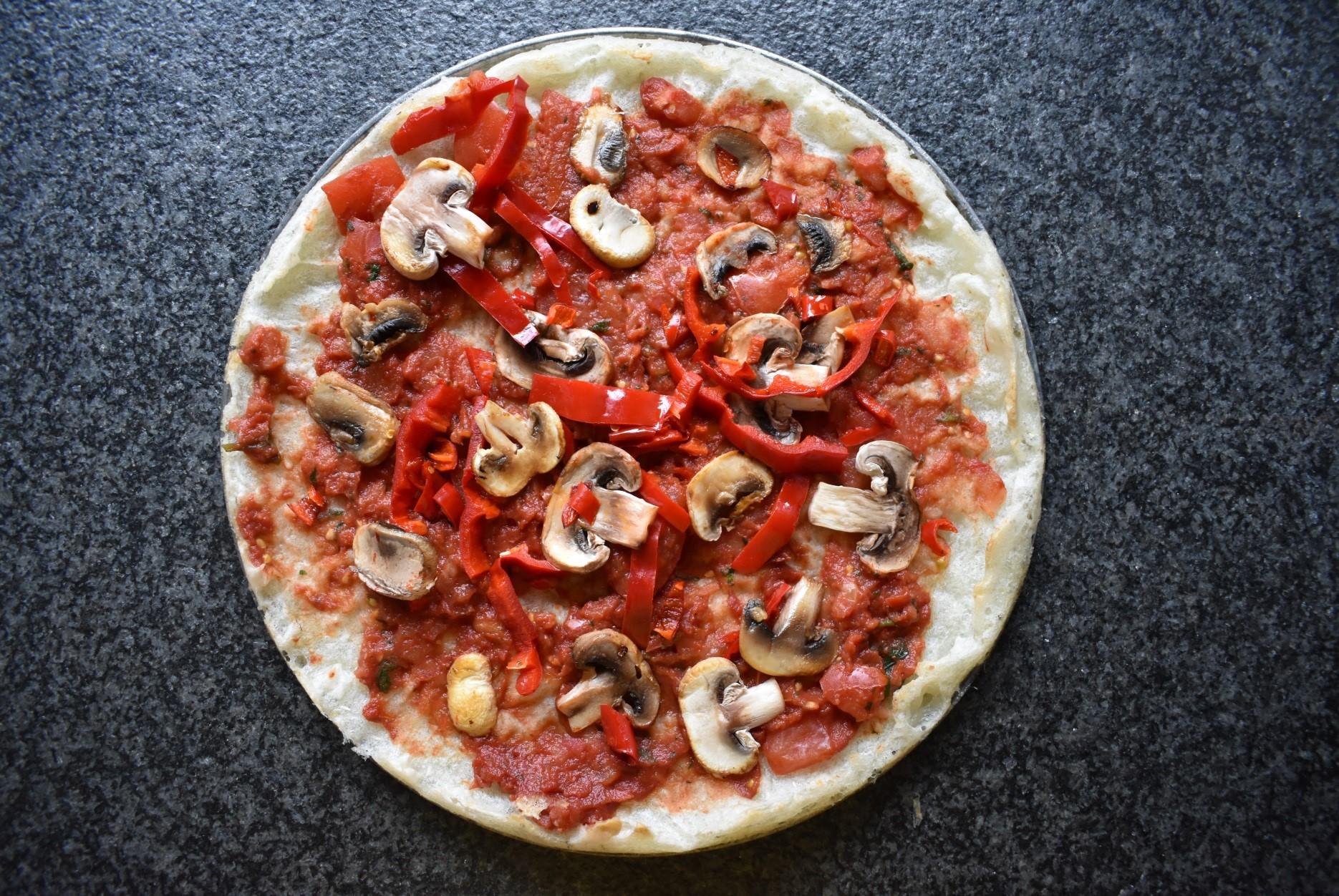 Pizza met cassavebodem
