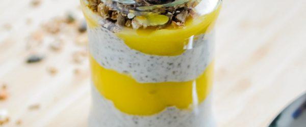 Tropische-Chiapudding-met-Kokosmelk-&-Gepureerde-mango-3