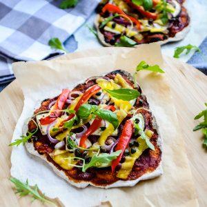 Pizza met smokey tomatensaus & vegan kaas 1