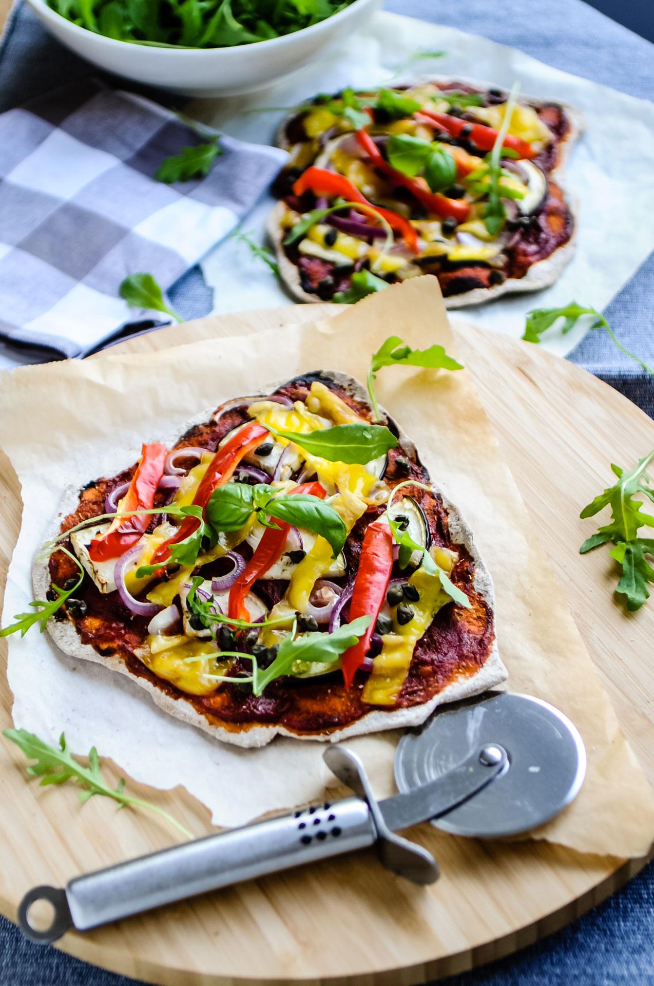 Pizza met smokey tomatensaus & vegan kaas 2